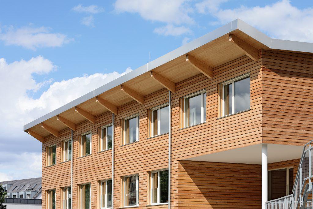 Diesterweg Schule, Holzfassade